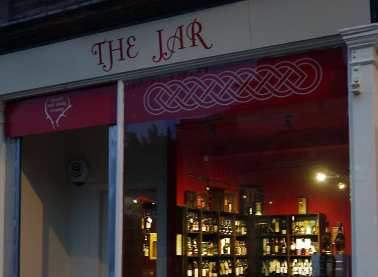 The Jar Whisky Shop Troon, Exterior